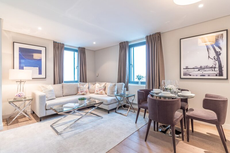 Luxurious three-bedroom Paddington apartment with stunning views, holiday rental in Willesden