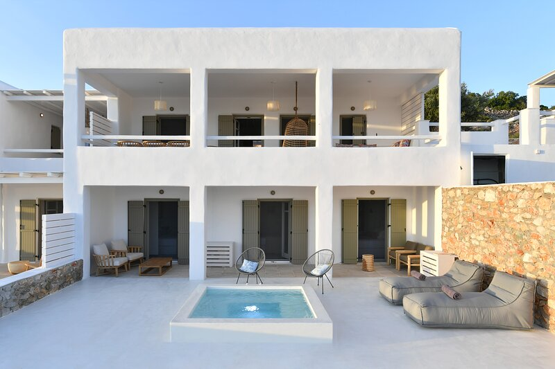 Ianthe I 4Bedroom Villa with Jacuzzi - Ciel Villas, location de vacances à Pounta