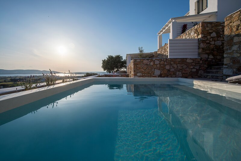 Thoe I 3Bedroom Villa with private pool - Ciel Villas, location de vacances à Pounta