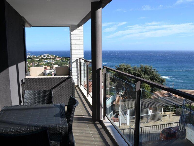 CAU DEL LLOP 9 Fantastic apartment with spectacular sea views!, aluguéis de temporada em Llanca