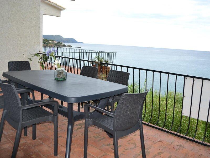 FENER DE BAIX 3 Fantastic house with spectacular sea views!, aluguéis de temporada em Llanca
