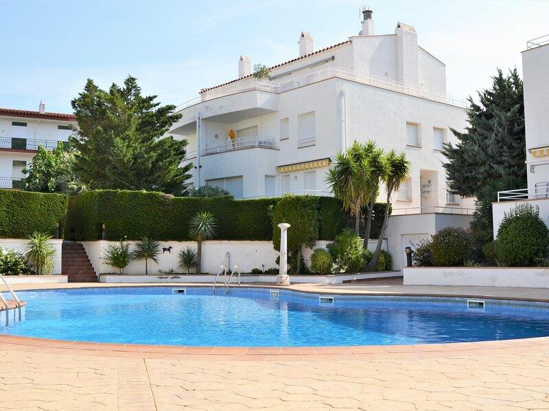FARELLA 2 Fantastic apartment with pool!, aluguéis de temporada em Llanca