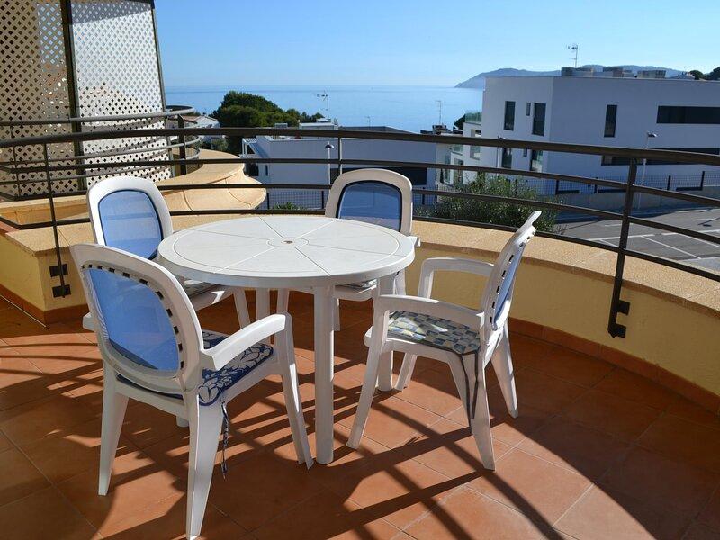 TONYINES 2 Fantastic apartment with terrace!, casa vacanza a Garriguella