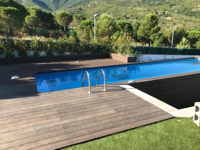 VILA 3 Fantastic house with a great garden, pool and Jacuzzi!, aluguéis de temporada em Llanca