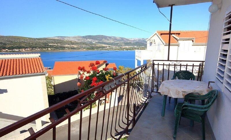 Doktor - sea view; A1(6) - Mastrinka, location de vacances à Mastrinka