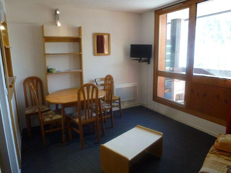 STUDIO LUMINEUX AVEC BALCON, aluguéis de temporada em Sant'Anna di Valdieri