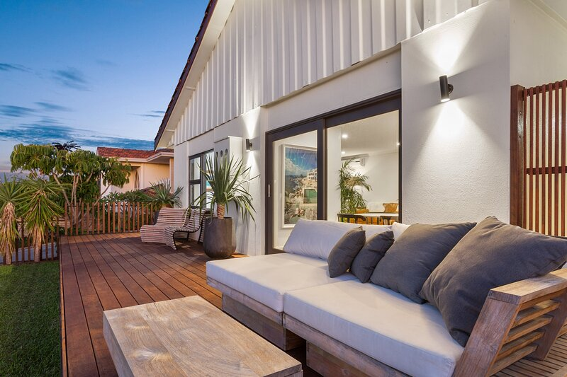 East Freo River Bungalow - Executive Escapes, holiday rental in East Fremantle