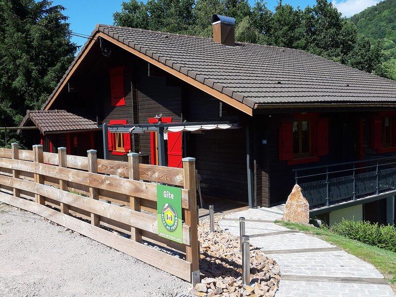 Le Chalet ' Les Volets Rouges ', holiday rental in Cornimont