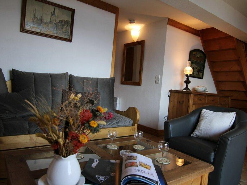 SECTEUR BISANNE 1500 - 4 PIECES MEZZANINE DE STANDING, location de vacances à Ugine