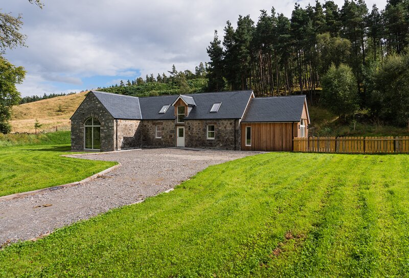The Barn, Corrimony, holiday rental in Cannich