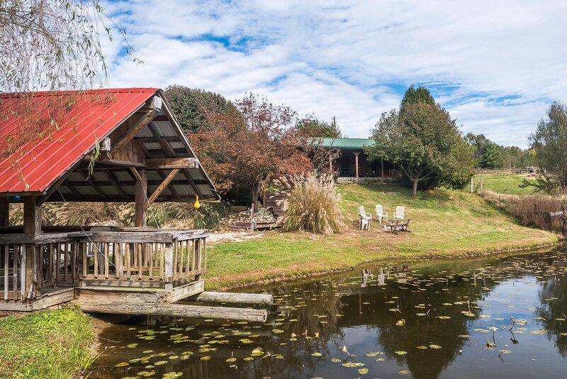 Big Buck Log Vacation Cabin, location de vacances à Nashville