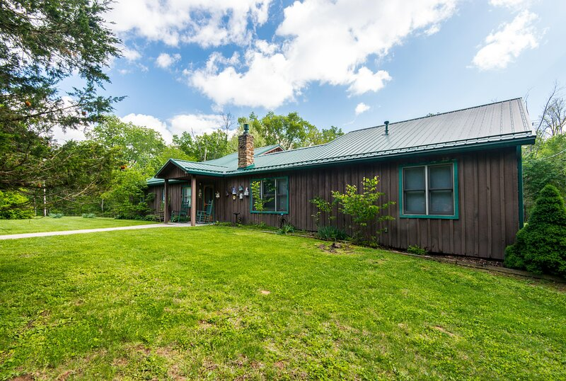 Country Resort Vacation Cabin, vacation rental in Columbus