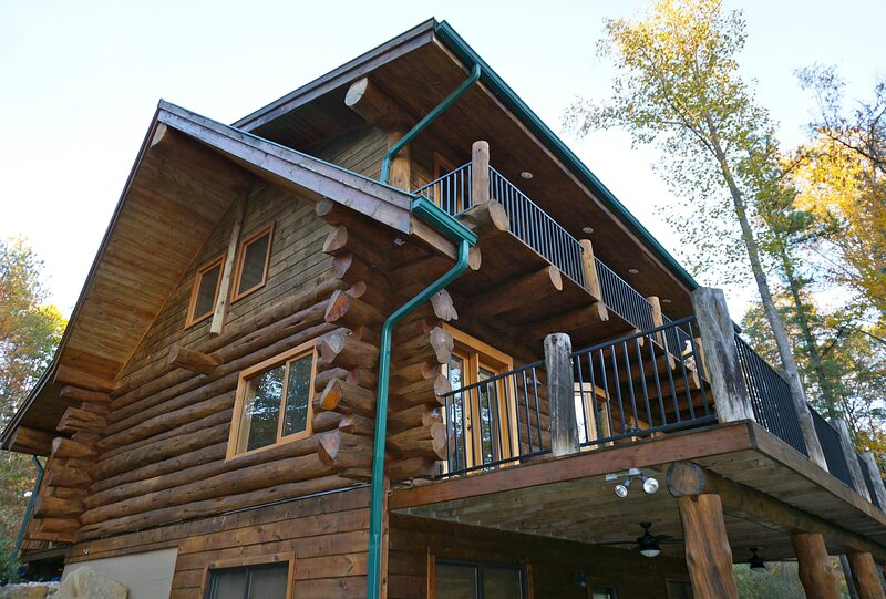 Drift Away Log Cabin, vacation rental in Morgantown