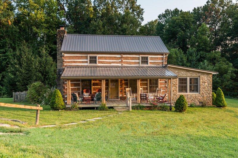 Hawks Haven Log Cabin, location de vacances à Nashville