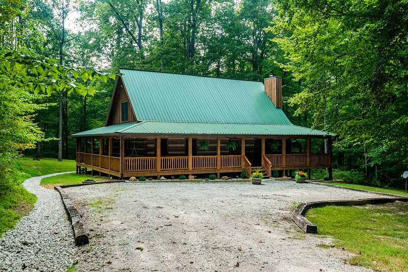 Great Escape  Log Cabin, holiday rental in Columbus