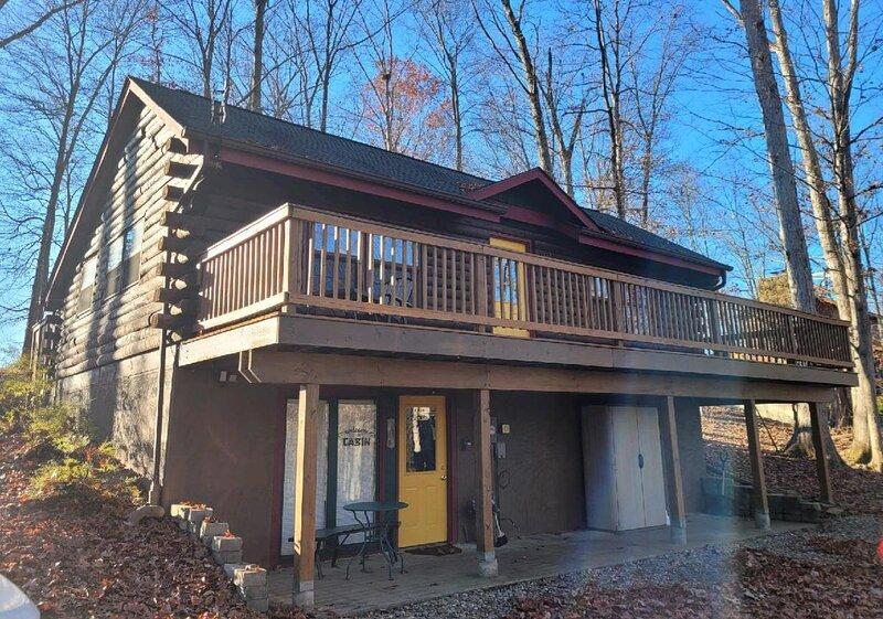A Sunset Getaway Log Cabin, location de vacances à Nashville