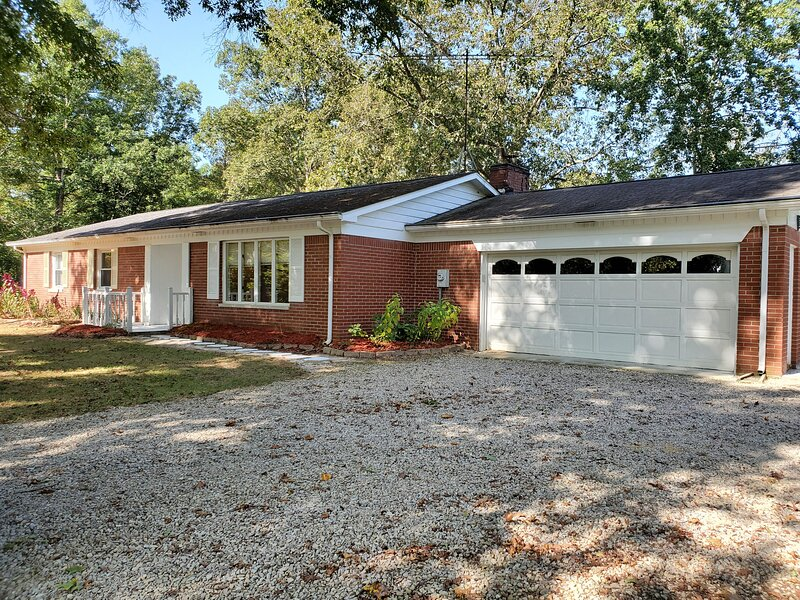 Away From It All Vacation Home, holiday rental in Unionville