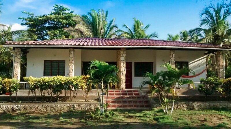 Cabañas Villa palma, a tan solo 40 metros del mar!, location de vacances à Cordoba Department