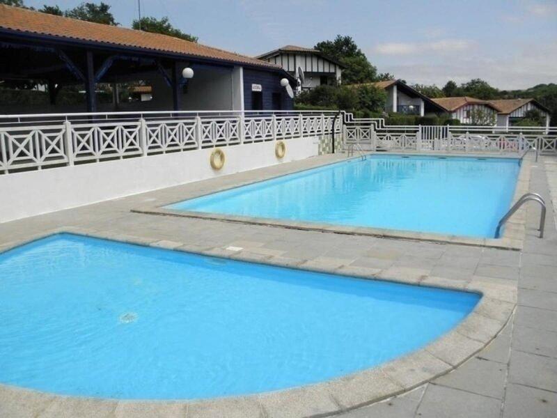 APPARTEMENT T3 en TRIPLEX avec parking et piscine, vacation rental in Biriatou