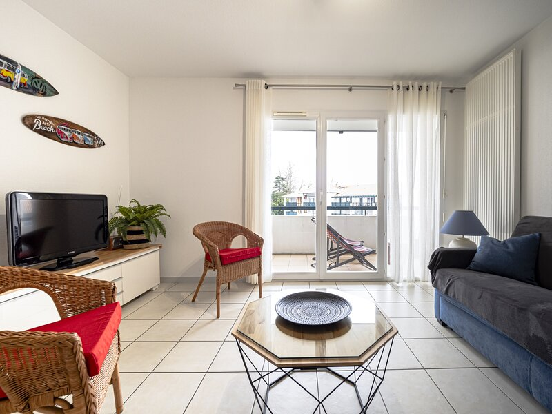 RESIDENCE DONGOXENIA APT 4 PERSONNES AVEC PARKING, holiday rental in Cestas