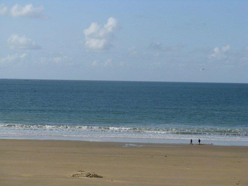 A ERQUY, en bordure de la très belle plage de CAROUAL 2km de sable fin, holiday rental in La Bouillie