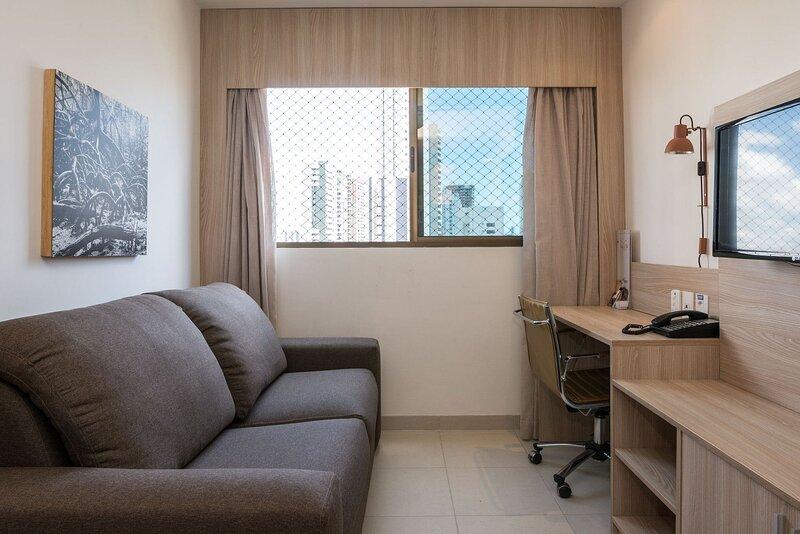 NOB2906 Excelente Flat em Boa Viagem com um quarto, no Bristol. Ideal para turis, holiday rental in Olinda