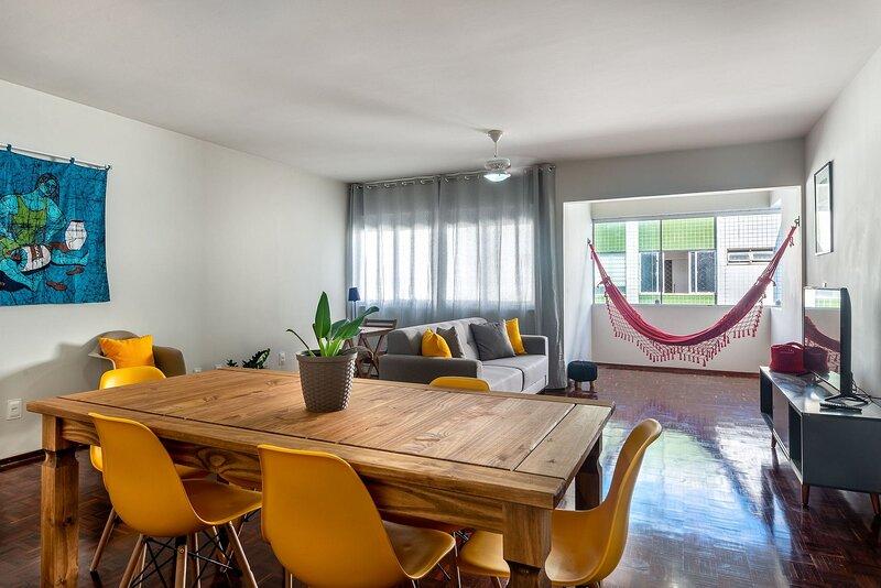 SAL802 Excelente apartamento em Boa Viagem. Três quartos no melhor local da prai, holiday rental in Olinda