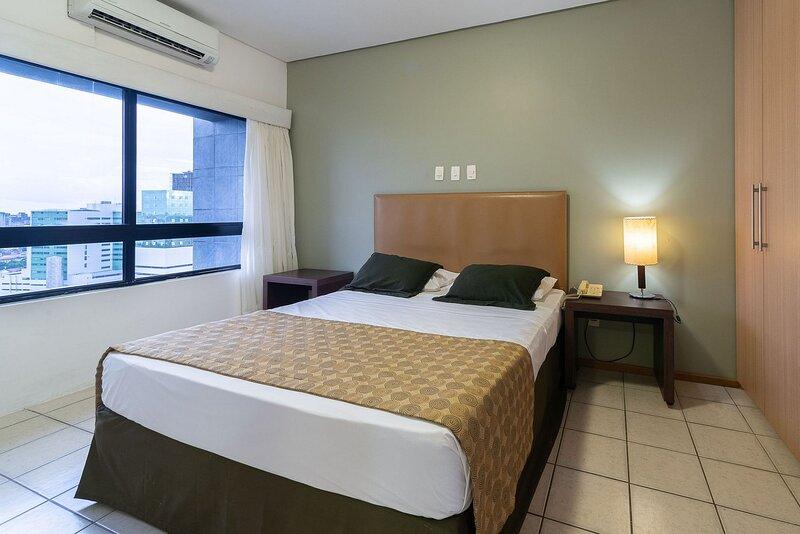 OTH1303 Flat na Ilha do Leite, Recife. Em um dos mais importantes polos médicos, holiday rental in Olinda