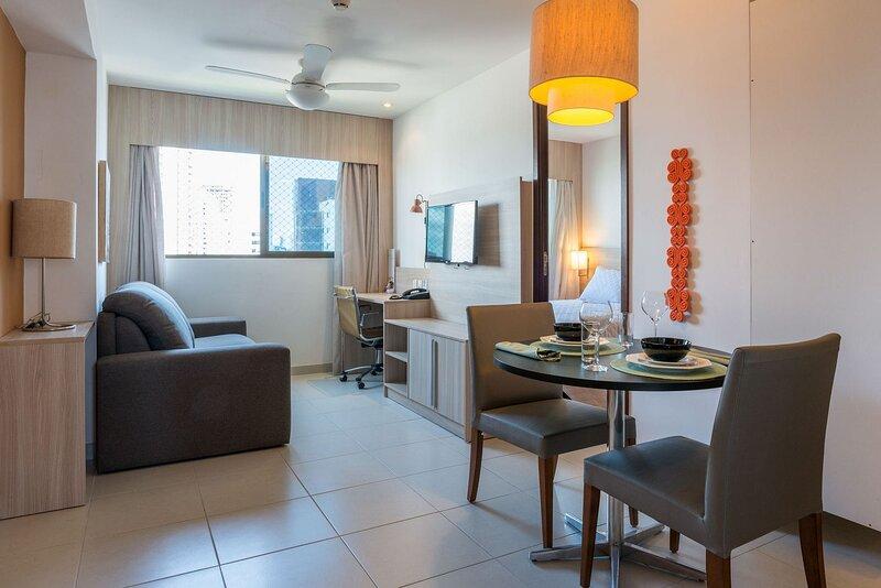 NOB706 Excelente Flat em Boa Viagem com um quarto, no Bristol. Ideal para turism, holiday rental in Olinda
