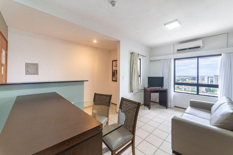 OTH1401 Flat na Ilha do Leite, Recife, um quarto. Fica em um dos mais importante, holiday rental in Olinda