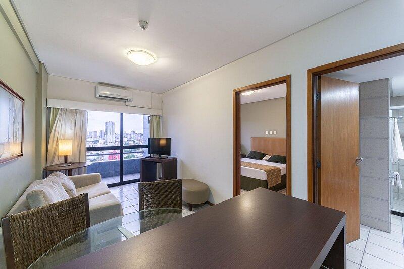 OTH1603 Flat na Ilha do Leite, Recife, um quarto. Fica em um dos mais importante, holiday rental in Olinda