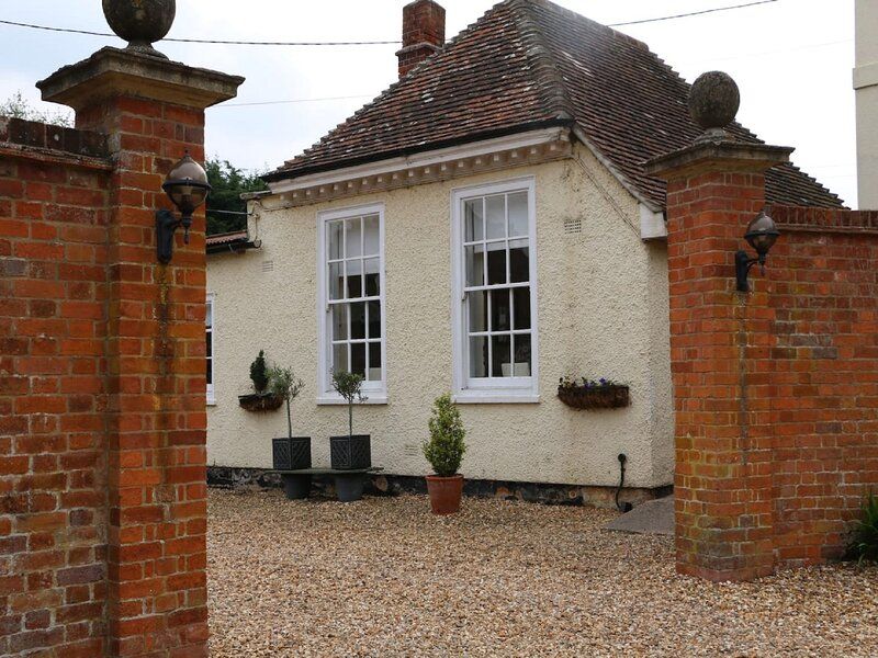 The Garden Lodge, vacation rental in Rowde