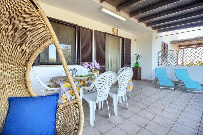 Villetta Daniela Fronte Spiaggia, holiday rental in Torre Pali