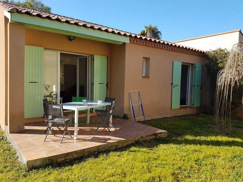 Dans village vacances villa T3 avec piscine, mini golf, tennis - 8OD27, vacation rental in Palau del Vidre