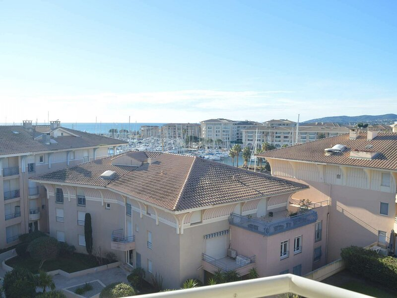 Appt 2 pièces / mezz 5 couchages FREJUS, holiday rental in Frejus Plage