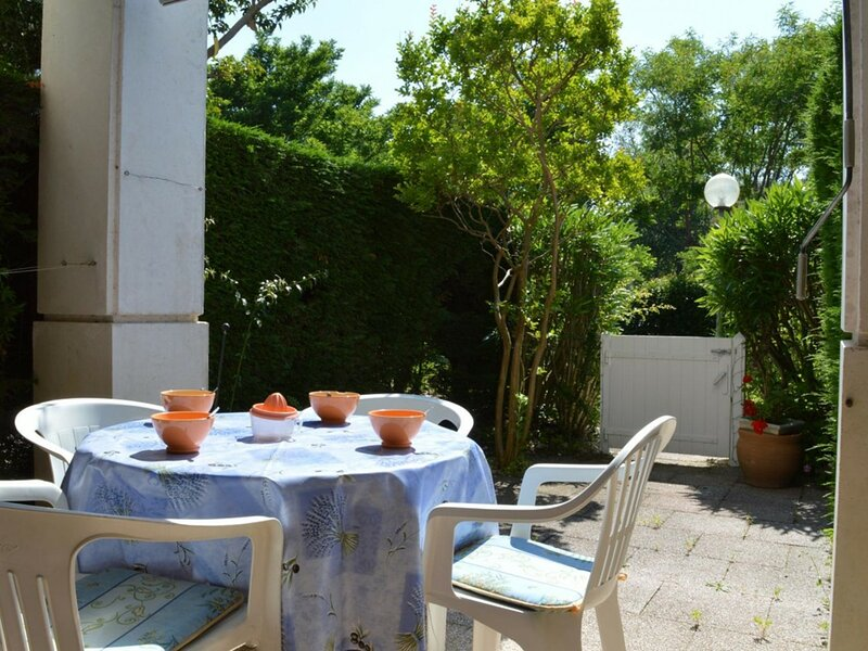 Appartement Studio coin nuit 4 couchages CAVALIERE, holiday rental in Cavaliere