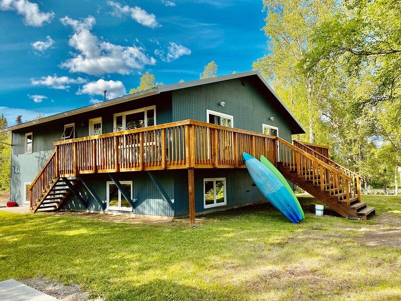 Fort Alaska - Creekside duplex on nine acres, casa vacanza a Willow