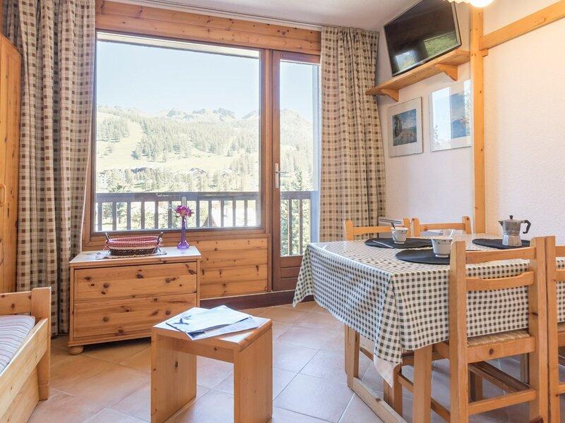 Location Hautes-Alpes 3 Pax. Montgenèvre., holiday rental in Val-des-Pres