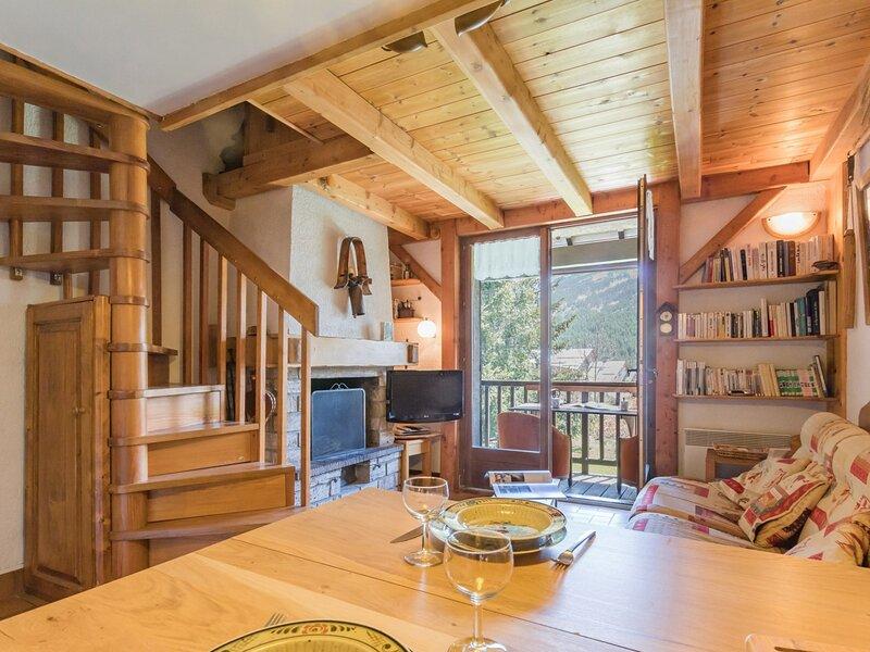 Appartement 2 pièces mezzanine 5 couchages LE MONETIER LES BAINS, location de vacances à Le Monetier-les-Bains
