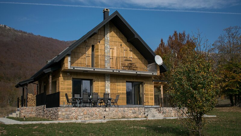Chalet MonsAlbius, holiday rental in Gospic