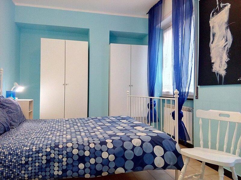 Bilocale LIBECCIO centrale tranquillo con posto auto privato, vacation rental in Sestri Levante
