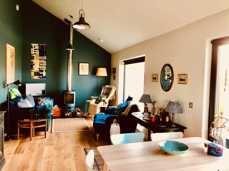 Brand New Eco Home situated in the Lochside village of Newton, vacation rental in St Catherines