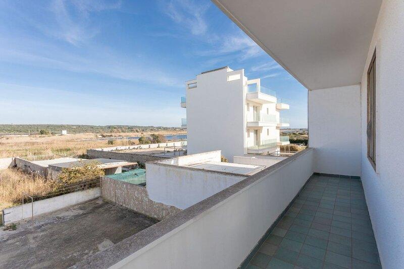 Appartamento La Torre primo piano lato pineta a Torre Mozza, vacation rental in Torre Mozza