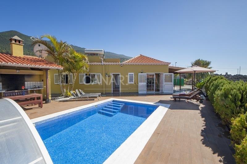 Exclusive Villa EL Paso, La Palma, holiday rental in Las Manchas