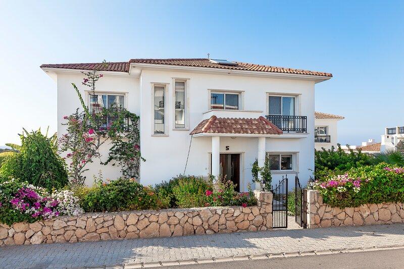 Sea Magic Park Villa 5, holiday rental in Agios Amvrosios