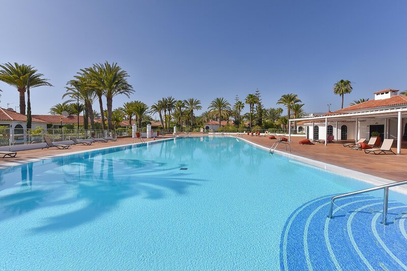 Pool: Swimming pool
