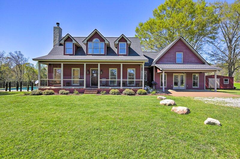 Pine Mountain Valley House w/ Pool on 25 Acres!, aluguéis de temporada em Pine Mountain Valley