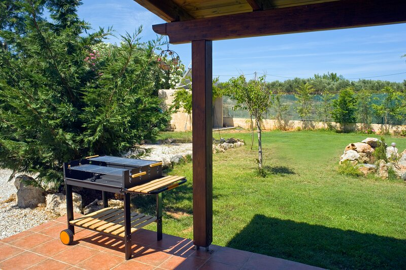 NEFELI s House just 200 meters from the sea..., holiday rental in Stavros