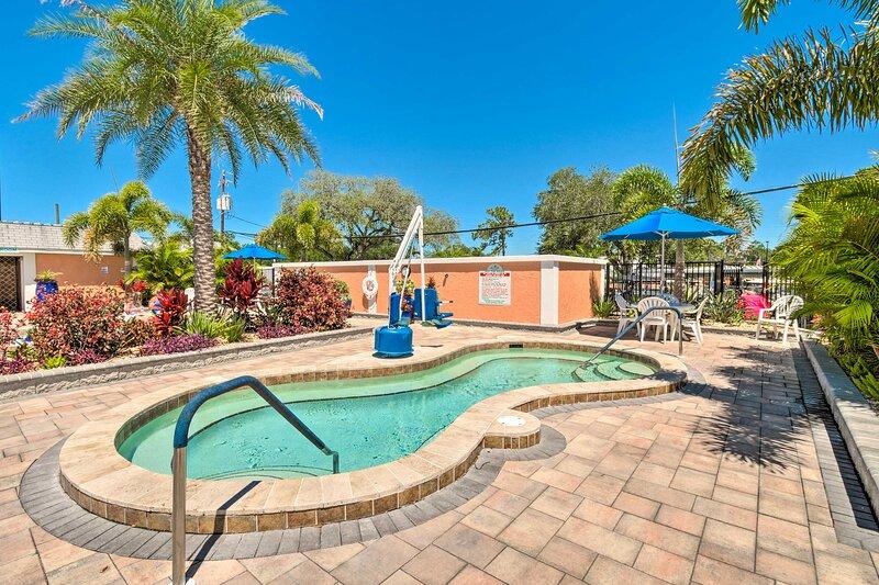Resort Amenities | Indoor & Outdoor Hot Tubs