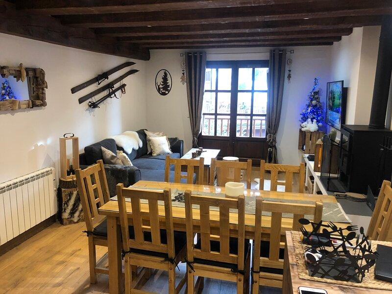 Magnifique appartement de 120m2 proche pistes, holiday rental in Soldeu